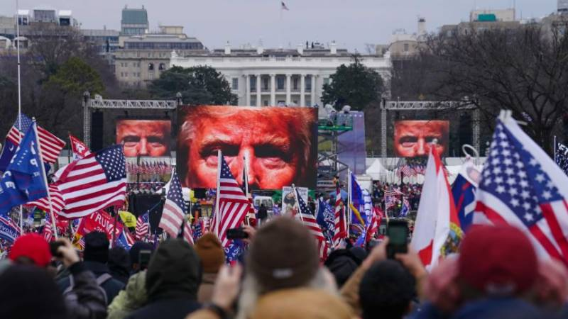 US Democrats move to impeach Trump in final days of presidency