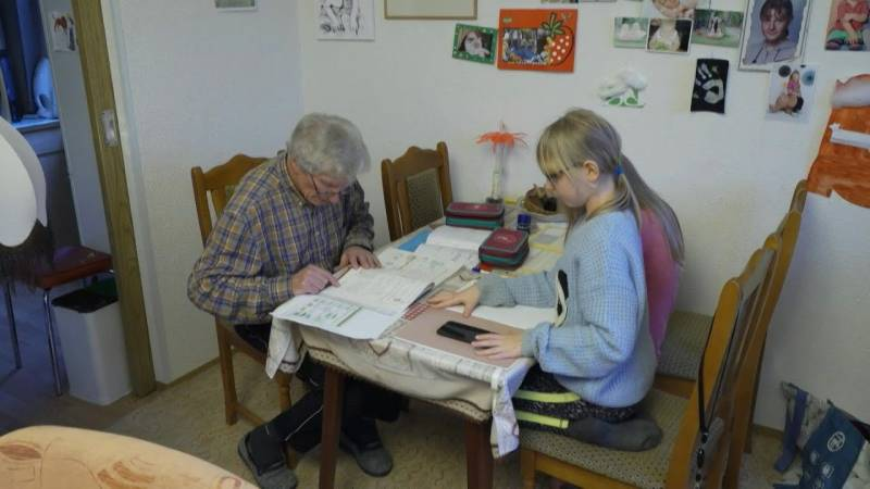 German great-granddad pitches in with homeschooling