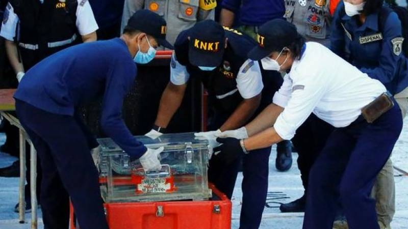 Black box from crashed Indonesia plane recovered: transport minister