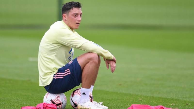 Ozil eyes Turkey or US move as he nears Arsenal exit