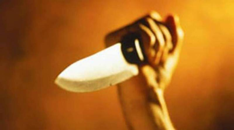 Poverty-stricken man stabs two daughters to death