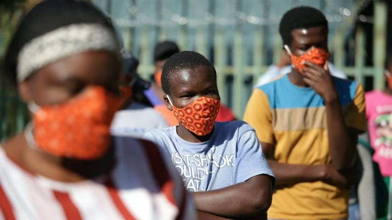 S.Africa police arrest thousands for not wearing masks