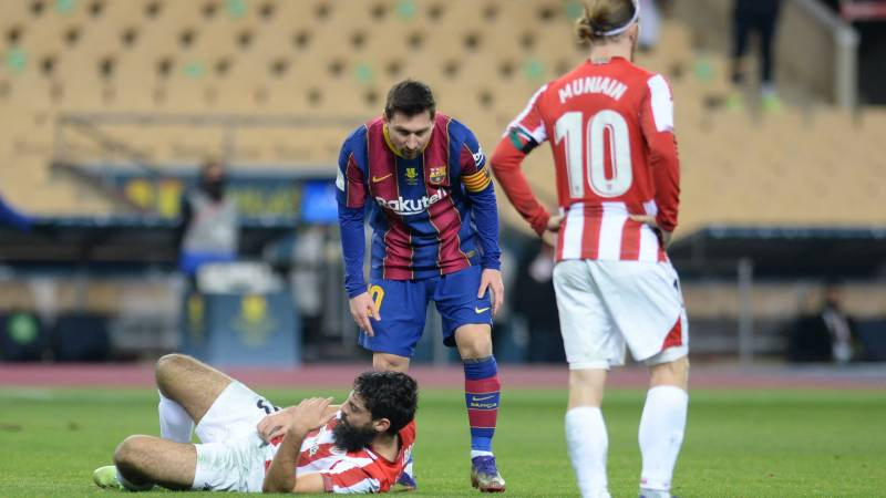 Messi sees red as Bilbao stun Barca to win Spanish Super Cup