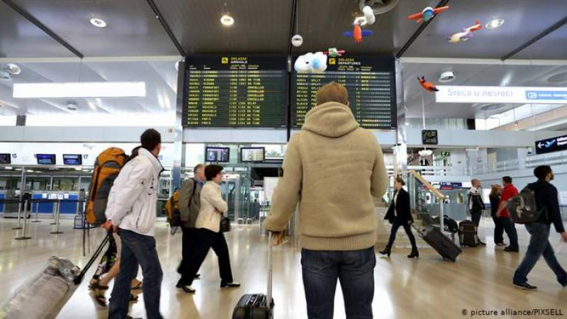 Frankfurt airport traffic nosedives to lowest since 1984
