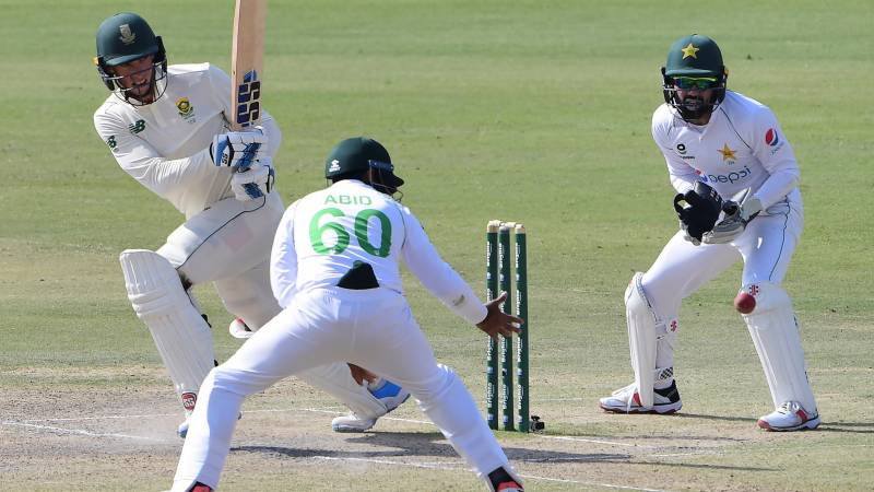 South Africa resist after Pakistan's big lead in first Test