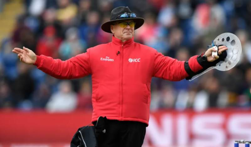 Umpire Oxenford to retire from international cricket