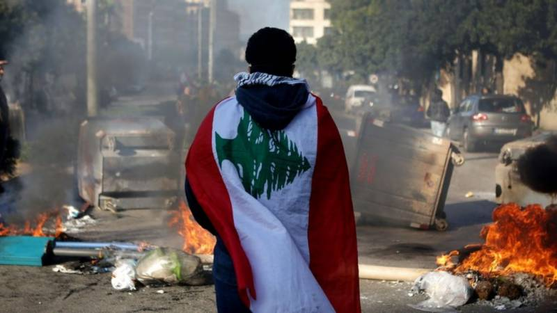 What's fuelling Lebanon's lockdown protests?