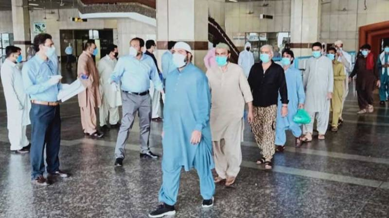 Pakistan issues new travel advisory for expats returning home