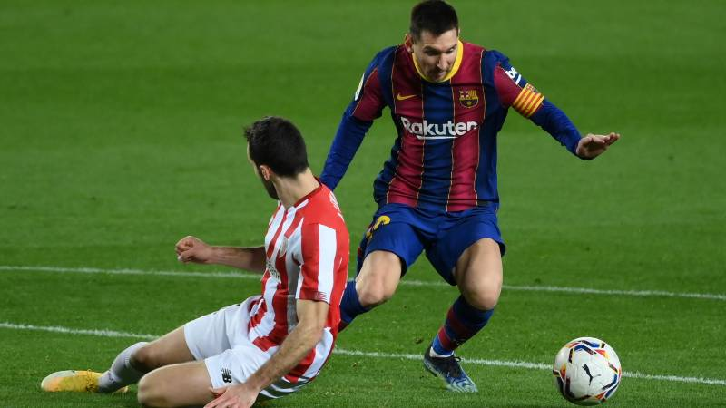 Messi shows his worth but Suarez double stretches Atletico lead