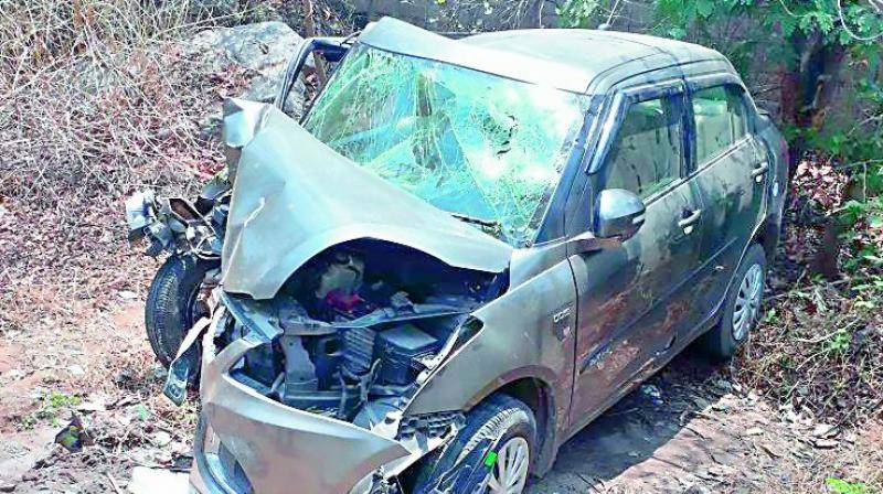 Six of a family killed as car rams into tree in Khanewal