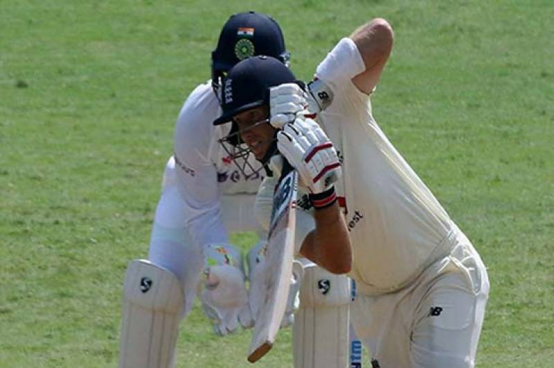 Bess stars as England corner India in first Test