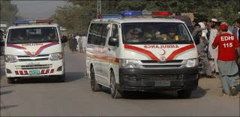 Five killed in ambulance-truck collision in Bannu