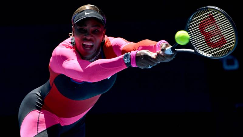 Relaxed Serena cruises into Australian Open third round