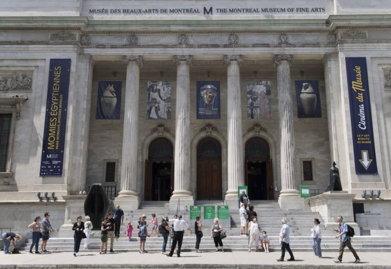 Jubilant Canadians head to reopened Montreal fine arts museum