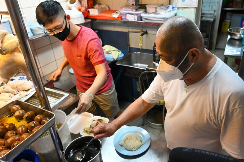 Young Singapore chefs serve up hope for street food's future