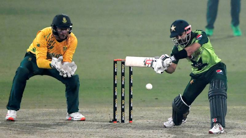Five-wicket Pretorius helps South Africa beat Pakistan in second T20