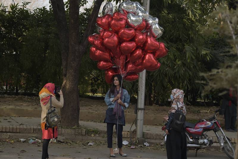 Valentine's Day: Flowers, chocolates or a good whipping?
