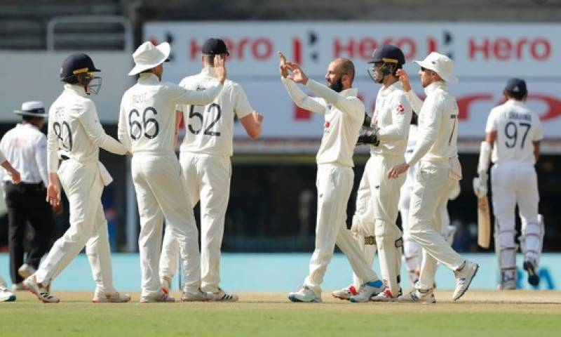India eye victory in 2nd Test after Ashwin spins out England