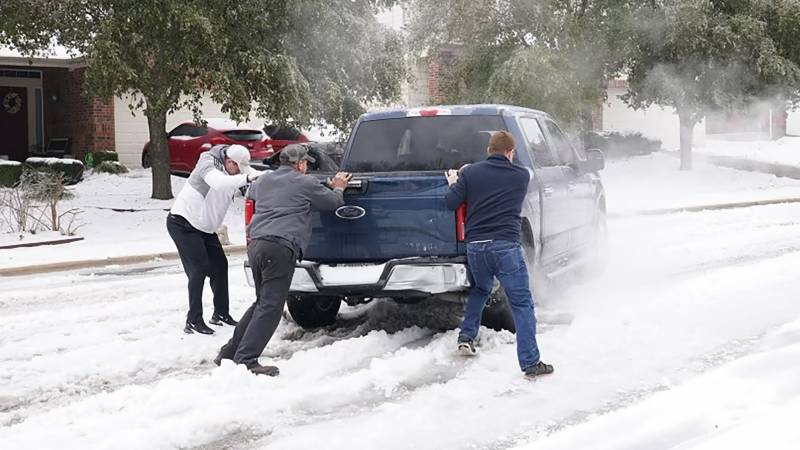 Power outages, water shortages as Texas shivers