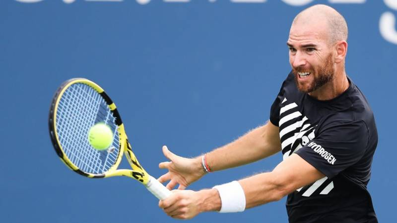 Top seed Mannarino crashes out of Singapore Open