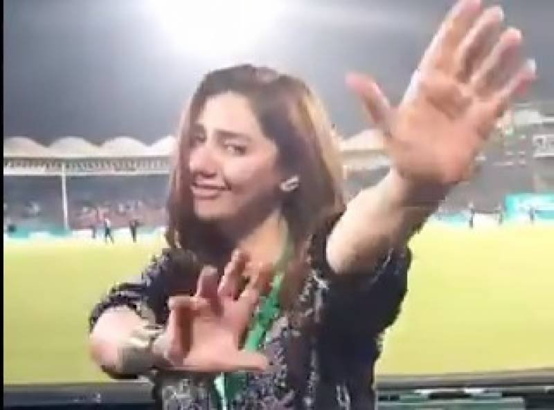 Queen Mahira Khan's Googly dance hots up the challenge