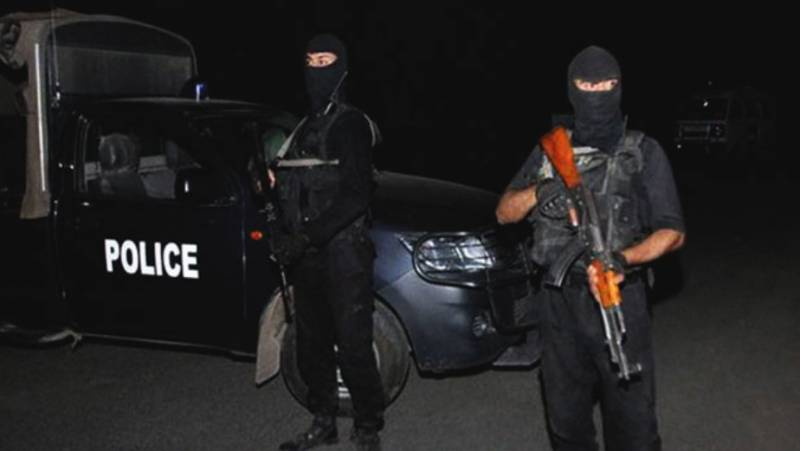 Three suspected robbers killed in Gujrat shootout