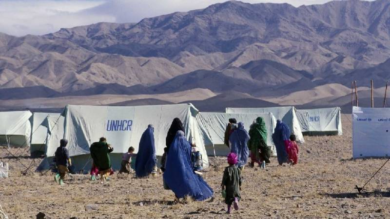 Pakistan to issue smartcards to 1.4m Afghan refugees