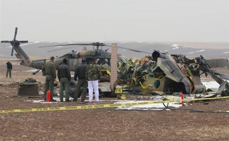 Ten Turkish soldiers killed in helicopter crash