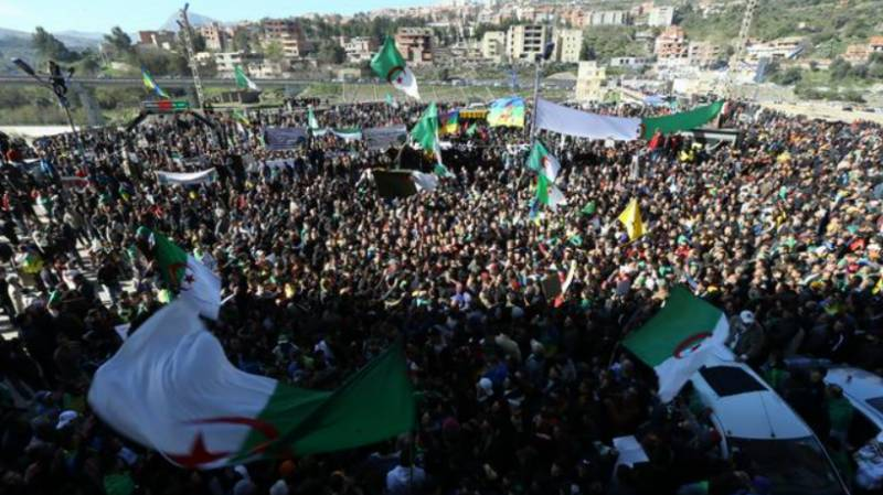 Thousands take to the streets in Algeria