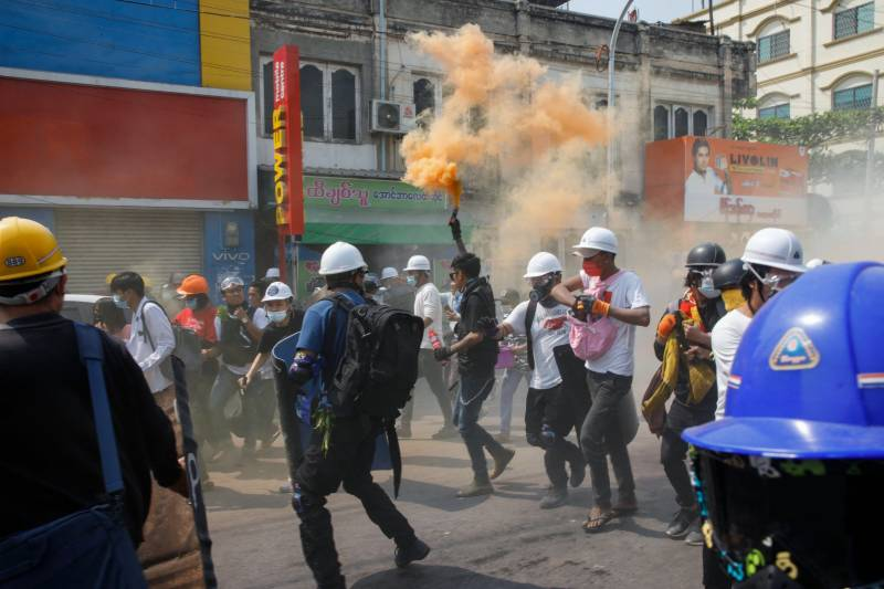 Myanmar protesters rally after overnight raids on opposition figures