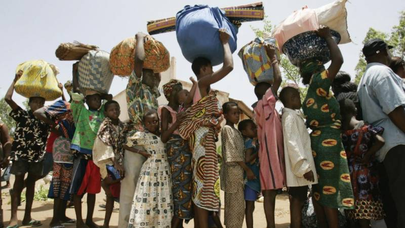 Hundreds of Nigerian refugees return from Cameroon