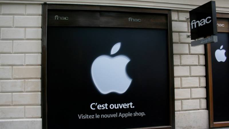 Apple hit with personalised ads complaint in France