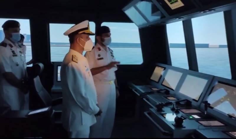 Naval Chief meets his UAE counterpart