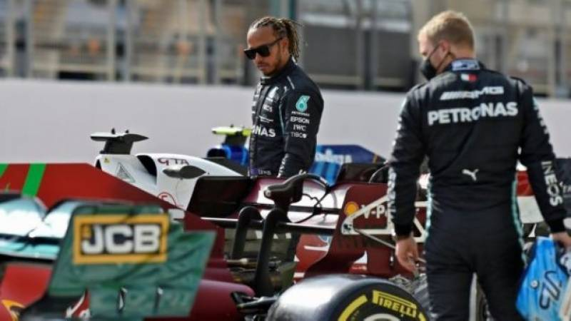 Bottas turns F1 testing on head as 'not worried' Hamilton spins off
