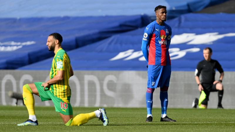 Palace's Zaha becomes first Premier League player not to take the knee
