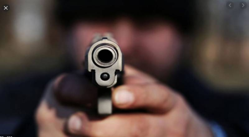 Suspected robbers nabbed after shootout in Karachi