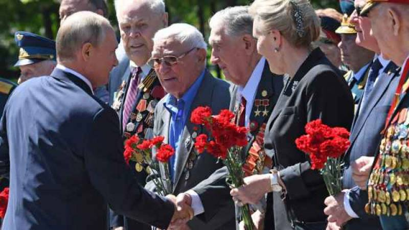 Russia bans insults against WWII veterans