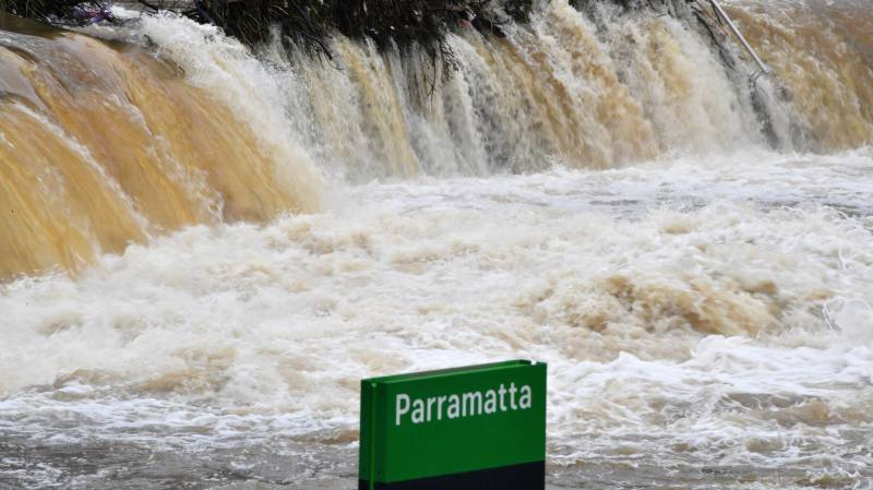 Thousands evacuate as Sydney sees worst floods in decades