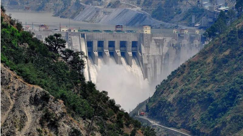 Indo-Pak meeting on water disputes goes on
