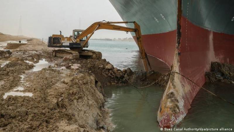 Megaship blocking Suez Canal may be refloated Saturday