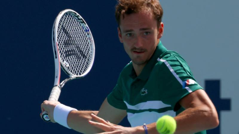 Top-seeded Medvedev toils into Miami Open fourth round
