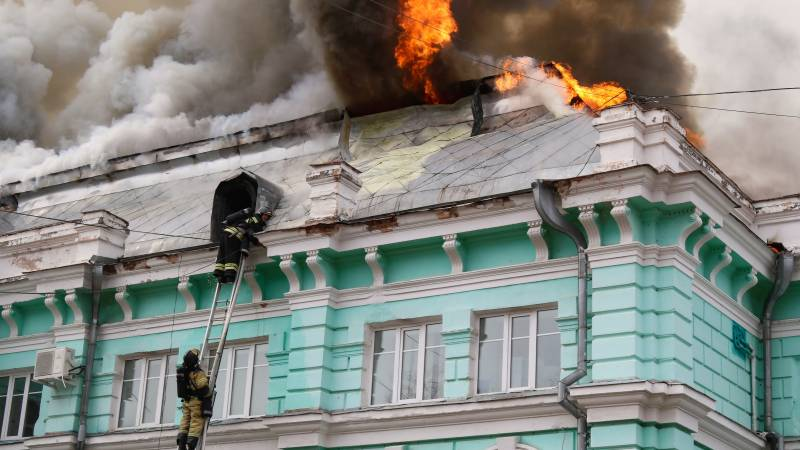 Russian doctors complete heart surgery during hospital fire