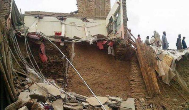 roof collapse peshawar
