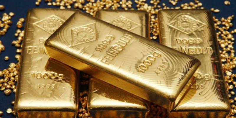 Gold prices decrease by Rs950 per tola in Pakistan