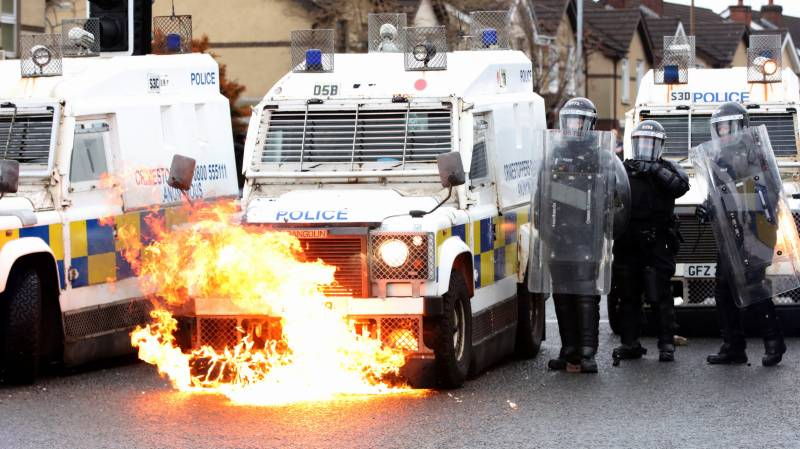 Rioters in Northern Ireland ignore pleas for calm