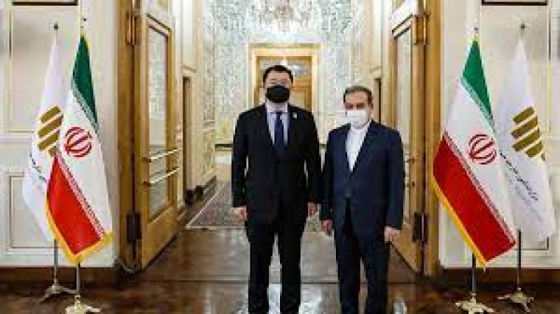 Iran calls on South Korea to release funds frozen under US sanctions