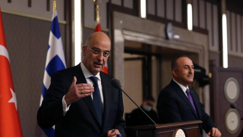 Greek, Turkish ministers clash at press conference