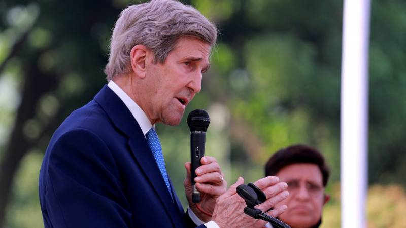 US envoy Kerry starts climate talks in China