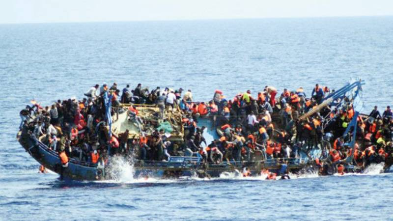 At least 20 dead as migrant boat sinks off Tunisia