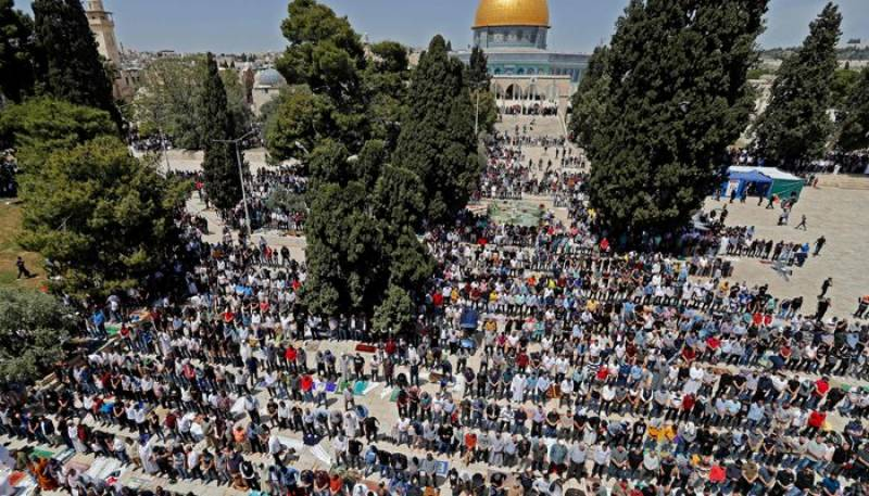 Palestinians hold Aqsa prayers in largest gathering since Covid